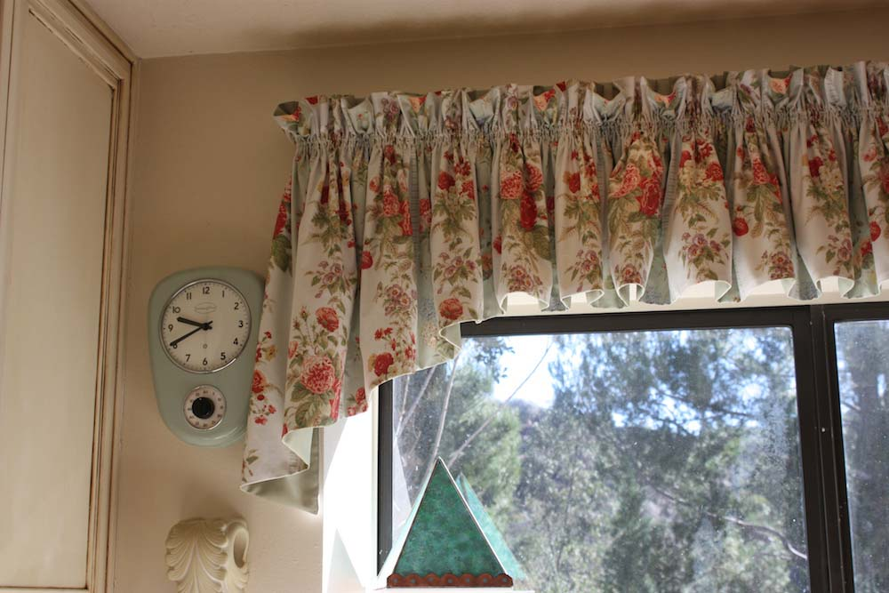 Pretty Gathered Valance