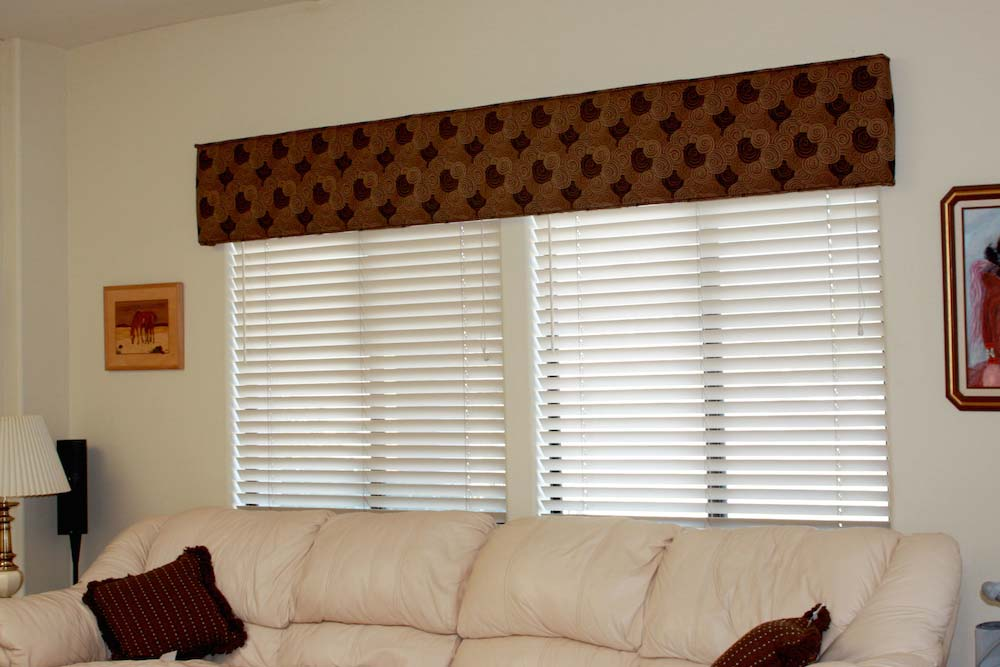 Tailored Cornice over Blinds 1