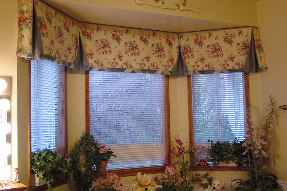 Tailored Valance with Pleats Welt and Custom Banding
